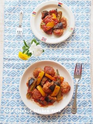 豚こま団子と夏野菜のトマト煮4