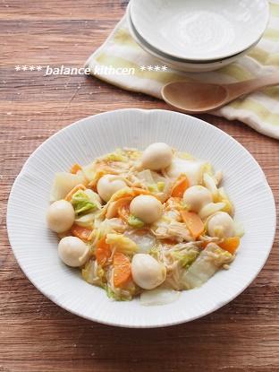 白菜とうずらの煮込み