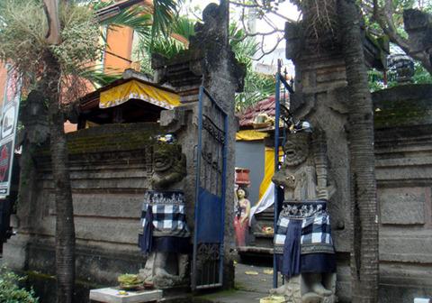 068まちかど寺院
