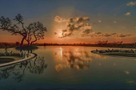 リンバロビーの夕陽