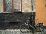 古い建物と古い自転車
