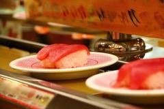 回転寿司で食事をした男性 トイレから戻ると「信じられない光景」に目を疑う