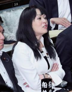 杉田水脈氏の議員辞職求める署名に9万筆近く 「激しく性差別的」と自民党にも対処求め