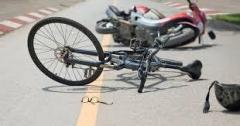 オートバイで自転車の女性ひき逃げ 男逮捕「任意保険入っておらず」 横浜
