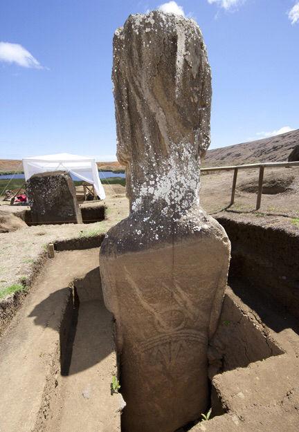 Easter-Island-heads (2)