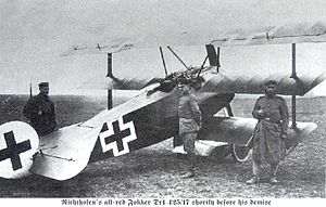 300px-Fokker_Dr1_on_the_ground