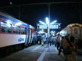夜の江陵駅
