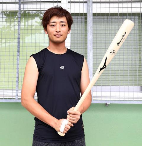 栗山監督、野手転向の白村に「骨の髄まで一生懸命野球をやりましょう」