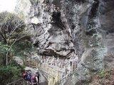 鋸山 奇岩と石像