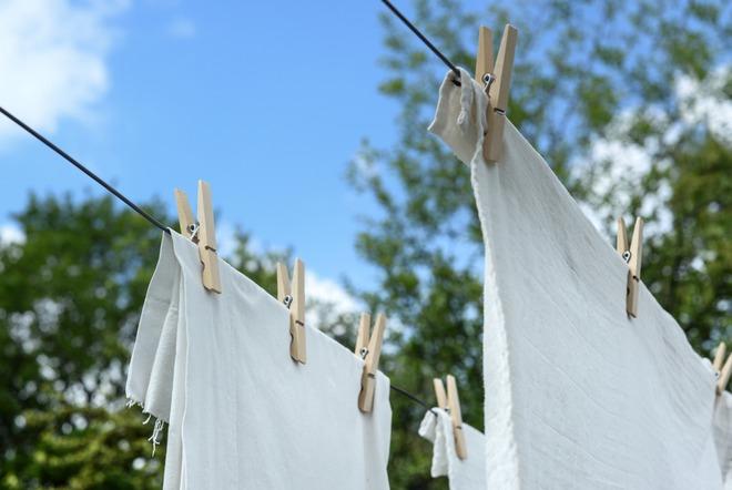 white-textile-1122167