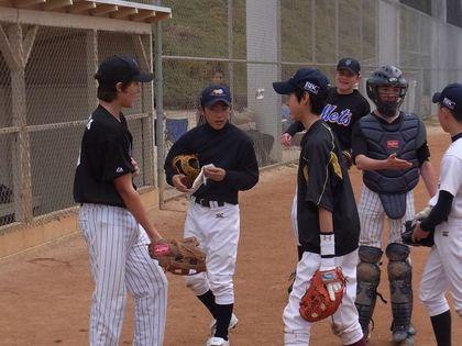 baseball-com1-311200[1]