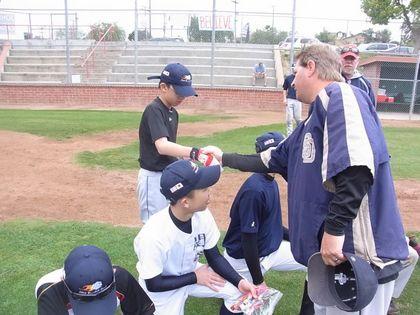 baseball-com1-311182[1]