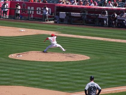 baseball-com1-341111[1]