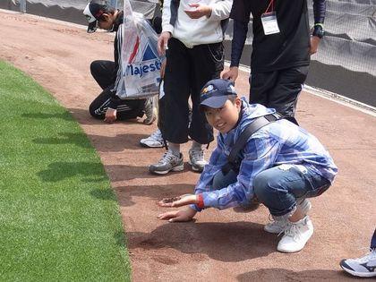 baseball-com1-310923[1]