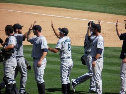 baseball-com1-341113[1]