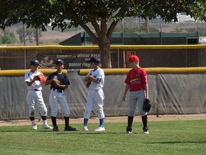 baseball-com1-339970[1]