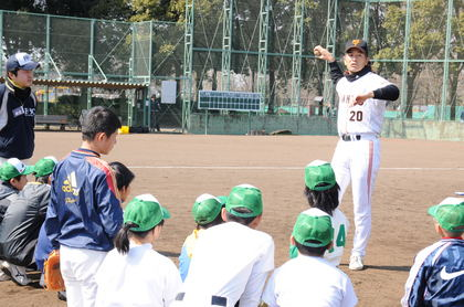 baseball-com14-469076