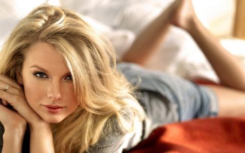 Taylor-Swift-taylor-swift-28112304-1440-900
