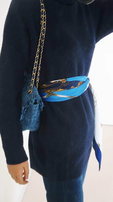 ネイビーワントーン+スカーフでレトロコーデ