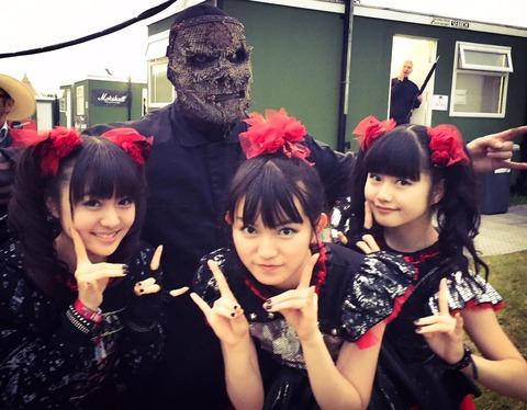 【エンタメ画像】,【画像】BABYMETAL、Slipknotさんと記念撮影をする