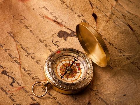 Compass-close-up_1600x1200