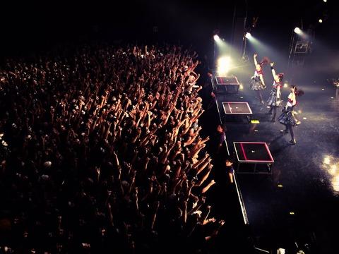 BABYMETALファン「白ミサの曲数10曲とか少なすぎる!1時間の短いライブで満足なの?」
