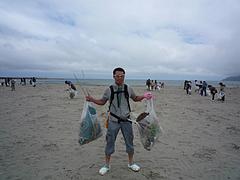 20090607UXエコワーク108in寺泊海岸清掃