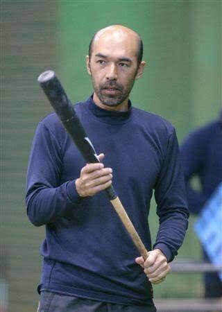 和田一浩さん、髭を伸ばすとかっこいい