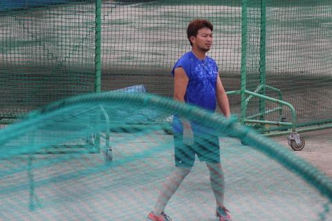 【悲報】中日田島さん、やっぱり痩せてない
