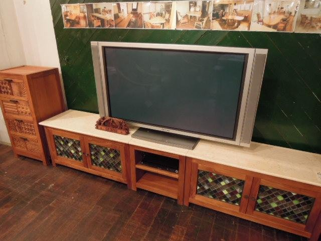 大きなテレビ�