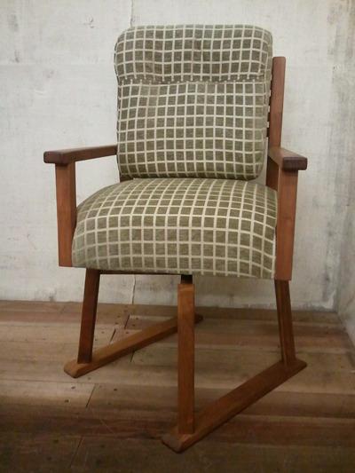 回転爽やか椅子3