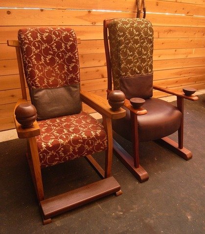老人と椅子1