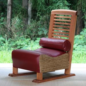 お届けの椅子