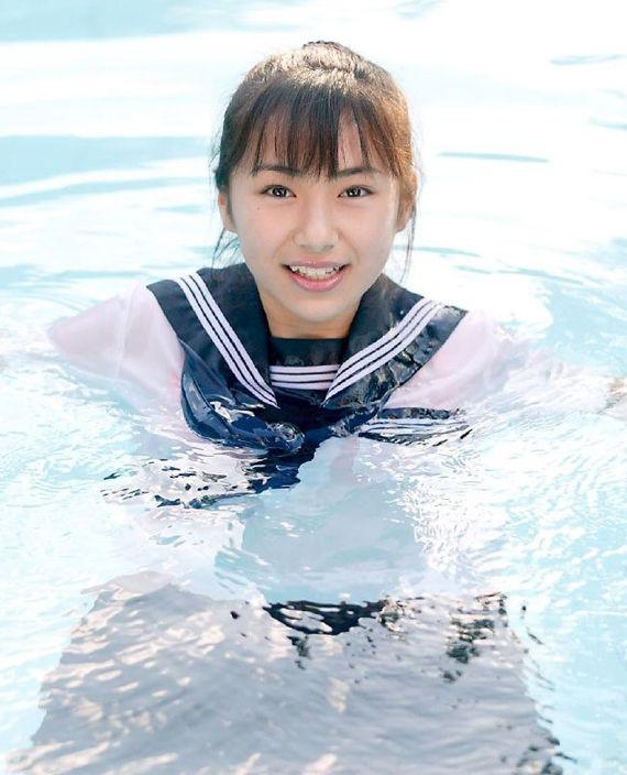 佐野ひなこ「どれが好き?」 水着、制服 ...