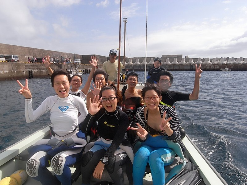 イルカさんと泳ご〜♪
