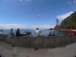 海を眺めてランチタイム