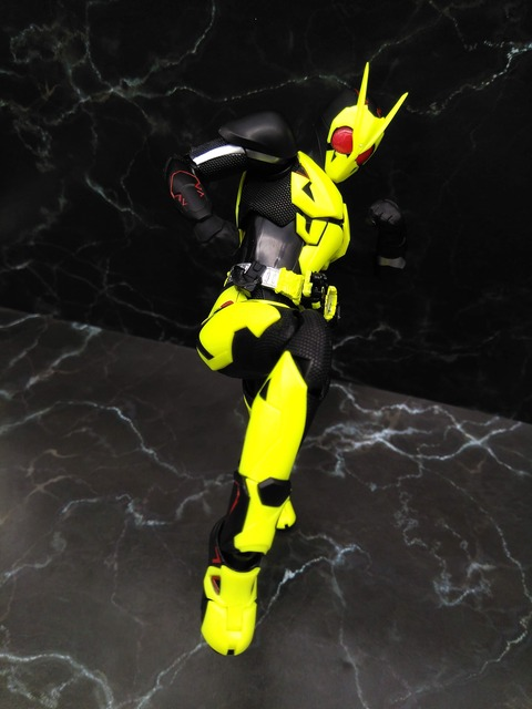 KAMEN RIDER ZERO-ONE RISING HOPPER 21