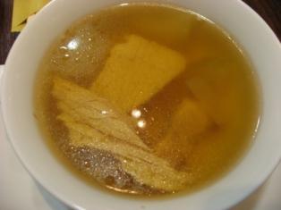 例湯(湯葉・冬瓜・鶏肉・無花果のスープ)