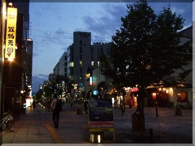 旭川駅の夜