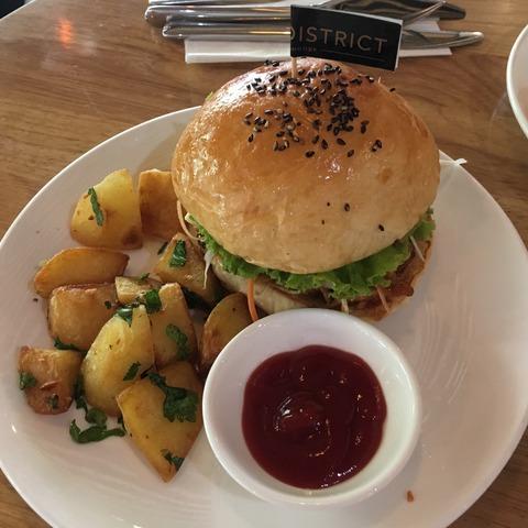 THE DISTRICT Coffee Lounge_PORK BURGER