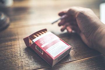 煙草の吸殻で浮気発見