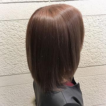 ショコラピンクブラウンのショートカットヘア