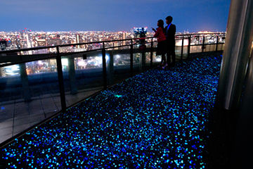 クリスマスデートで行きたい梅田スカイビルの空中庭園