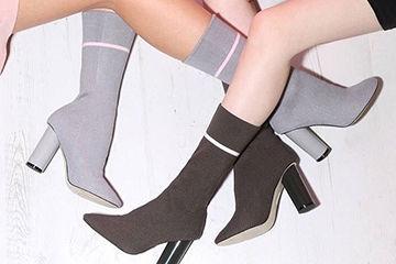 海外セレブや有名モデルも愛用する、ソックスブーツがこの冬大流行。