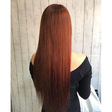 カッパーピンクのサラサラロングストレートヘア