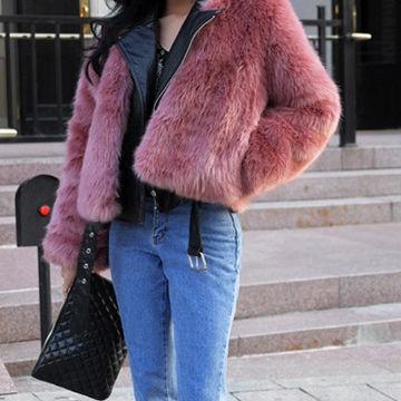 ピンクのファーコートが大注目。2017AW外せないトレンドカラー