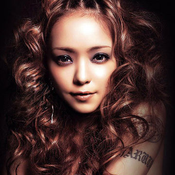 安室奈美恵の前髪アップスタイル