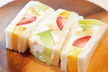 山口果物のフルーツサンド