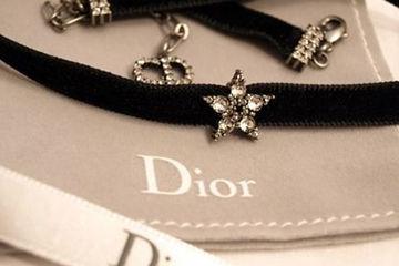 Diorのチョーカーがかわいい