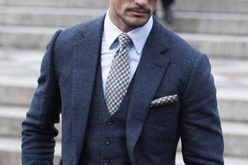 大人の余裕あふれる年上男性が魅力的